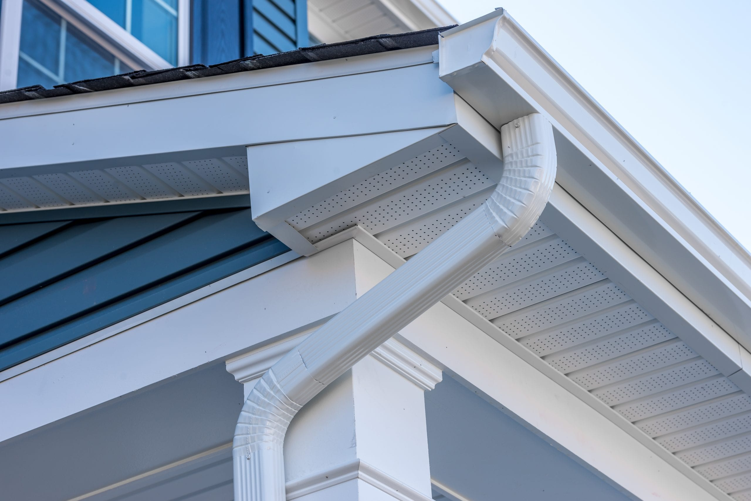 GUTTER INSTALLATION & CLEANING